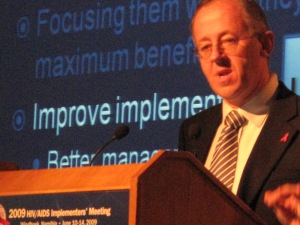 Stefano Bertozzi speaks Thursday in the plenary session at the 2009 HIV/AIDS Implementers' Meeting in Windhoek, Namibia